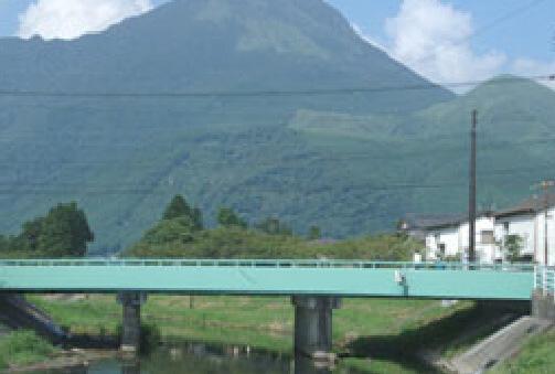 由布岳と大分川